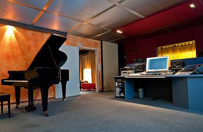 Gesangsunterricht im Tonstudio